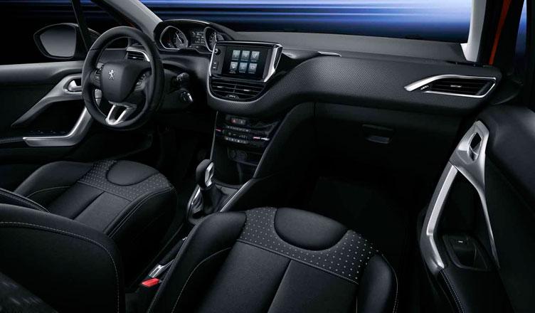 Салон Peugeot 208