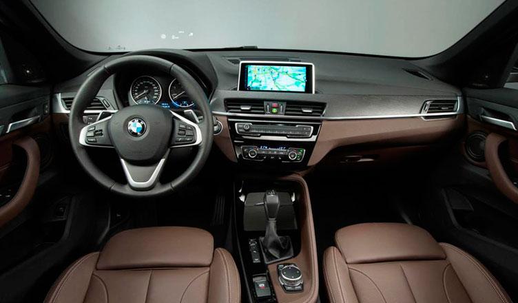 Новый BMW X1 2015 салон