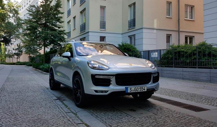 2016-porsche-cayenne-turbo-s