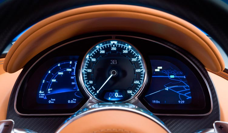 Панель приборов Bugatti Chiron