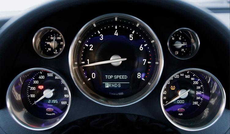 Приборная панель Bugatti Veyron
