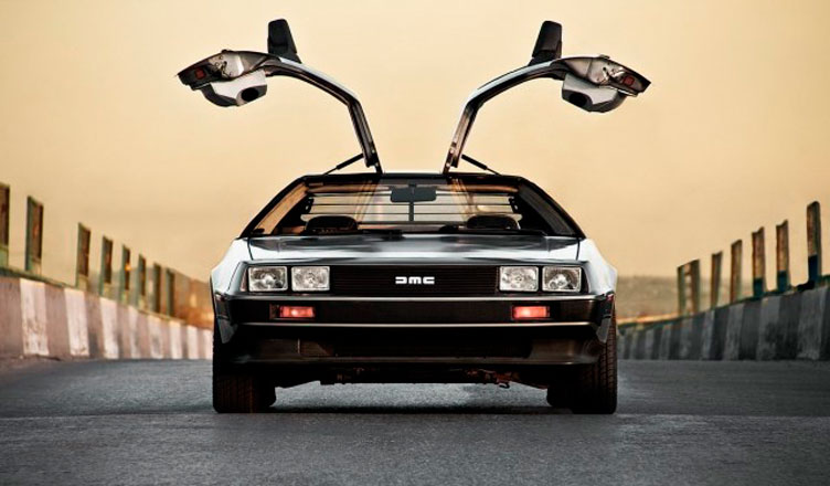 Машина времени DeLorean DMC-12