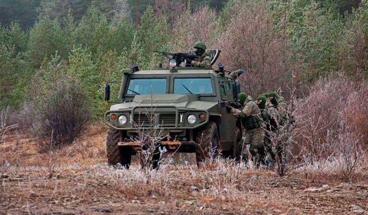 Военный автомобиль Тигр