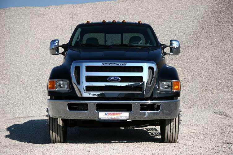 Ford F650: вид спереди