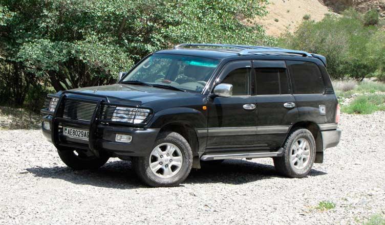 Toyota LC100 black