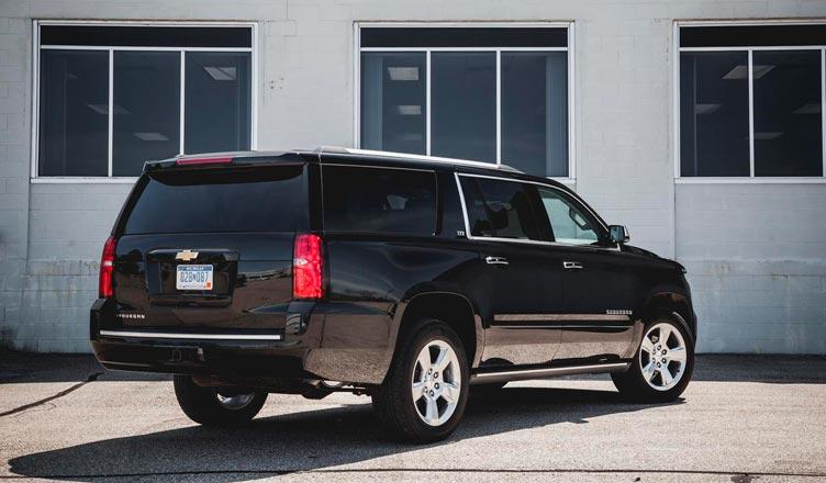 Chevrolet Suburban: вид сзади