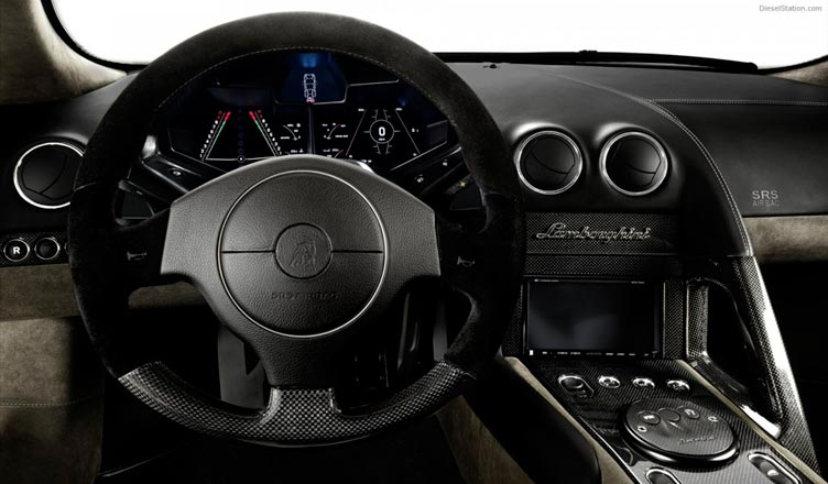 Lamborghini Reventon: приборная панель