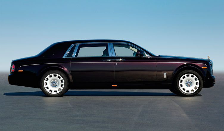 Rolls-Royce Phantom: вид сбоку