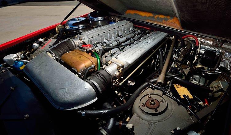 Двигатель Lamborghini LM 002