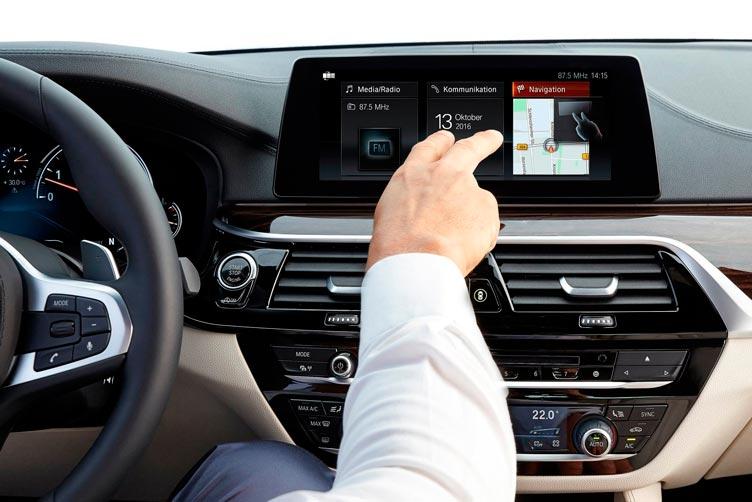 Мультимедиа система в BMW 5-series 2017