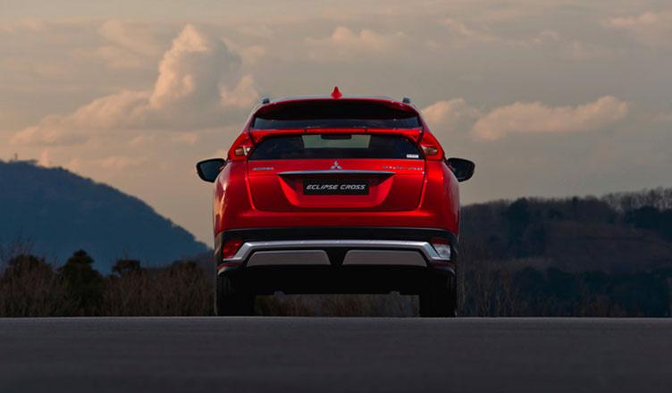 Mitsubishi Eclipse Cross: вид сзади